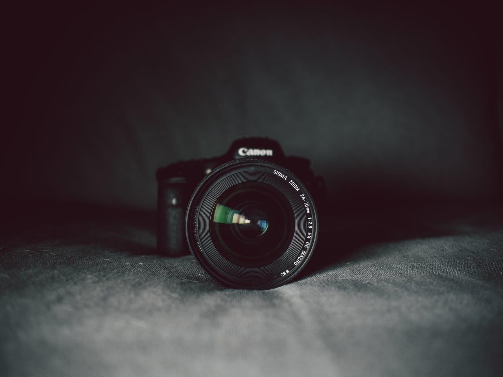 aperture black blur camera